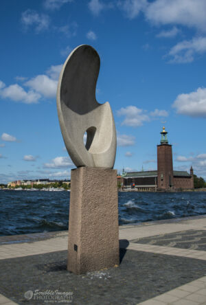 """Sunny Sail"" sculpture, Stockholm town hall in the background"